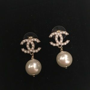 Authentic Chanel pearls earrings